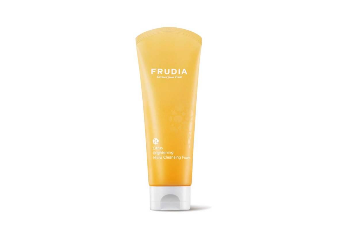 Очищающая пенка с цитрусами Frudia Citrus Brightening Micro Cleansing Foam - 145 мл
