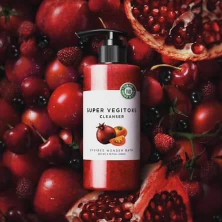 Осветляющая детокс пенка Wonder Bath Super Vegitoks Cleanser Red - 200 мл